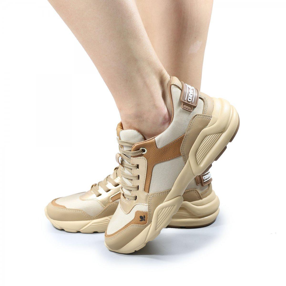 93be511184 tenis cravo e canela chunky sneaker. Carregando zoom.