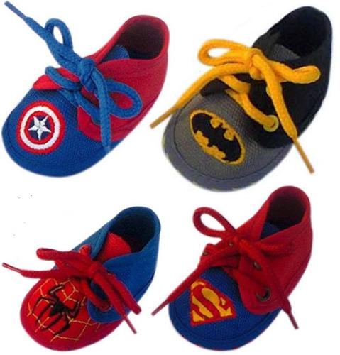 tenis de superheroes de bebe superman,batman,spider,cap.amer