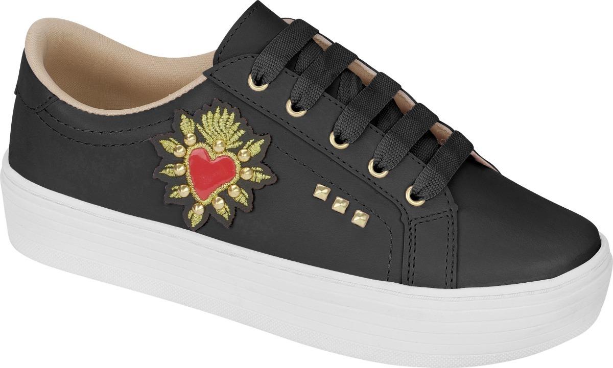 72aaa79900 tenis feminino sapato sapatenis casual coração bordado preto. Carregando  zoom.