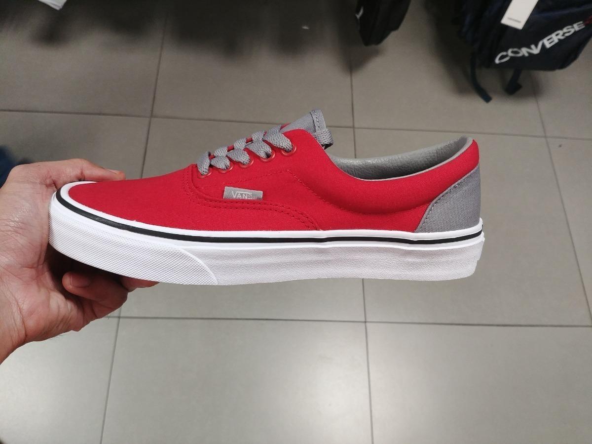 vans grises con rojo