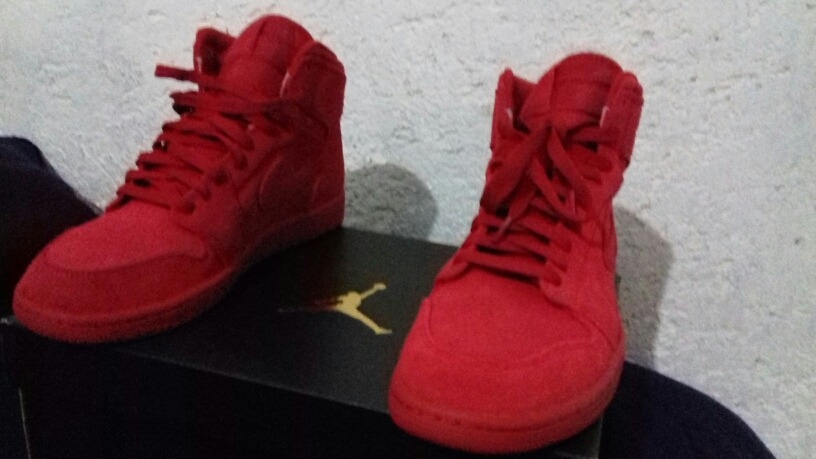 8336b2b0734 ... italy tenis jordan 1 retro high rojos originales. cargando zoom. b8ff8  c7b42