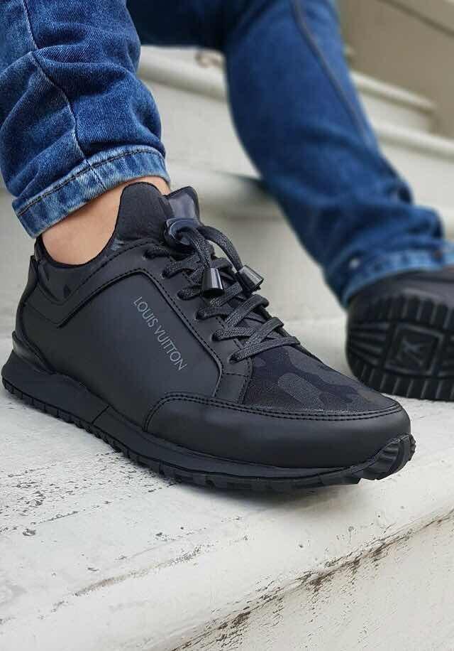 Tenis Louis Vuitton Lv Hombre Negros Zapatos -   189.990 en Mercado ... 8bfa3a302c68