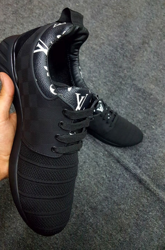tenis lv louis vuitton black with letters on the necklace