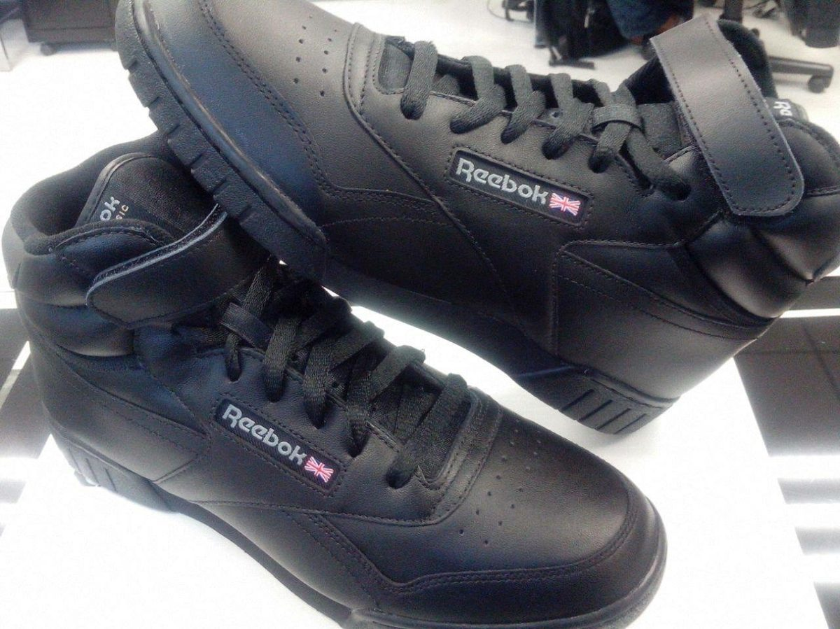 botas reebok negras