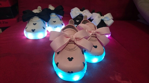 tenis moño led recargable minnie mickey!!