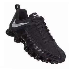 c10f3f22393 Tenis Nike 12 Molas Preto Com Branco Pela Metade Do Preço - R  95