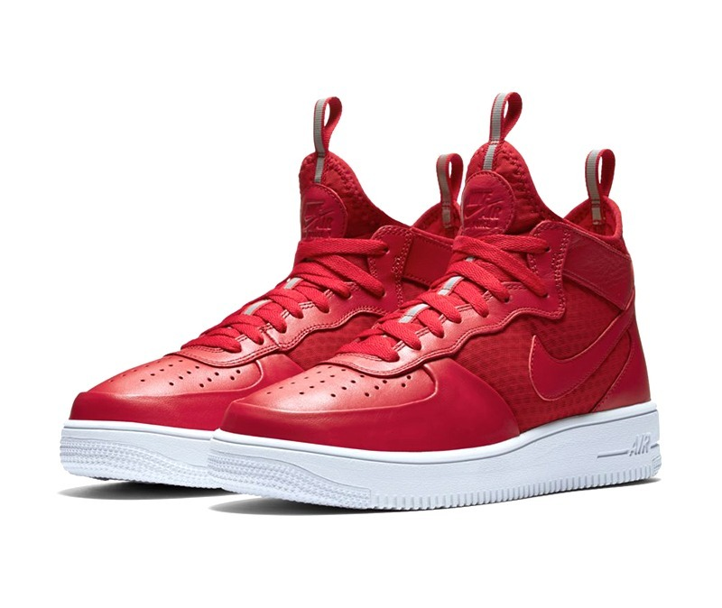 NIKE AIR FORCE rojo