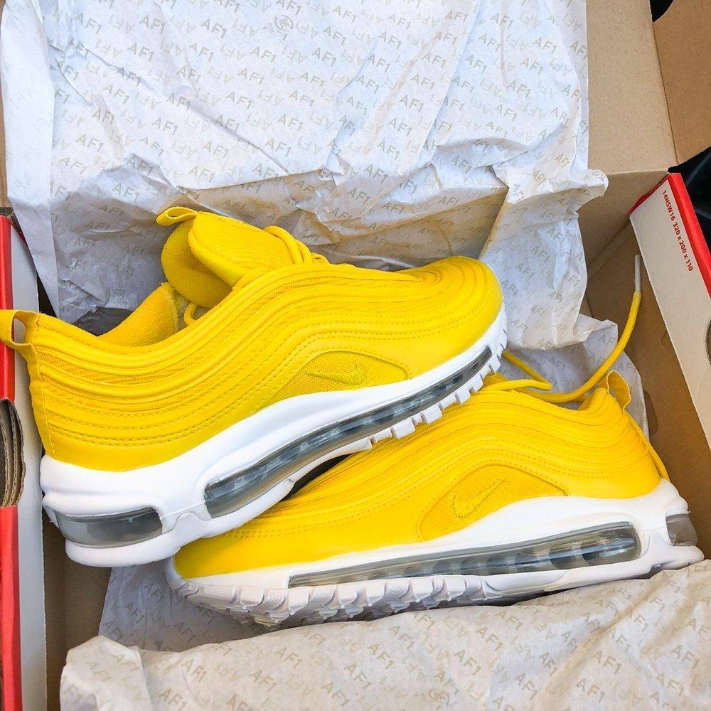 air max amarillas mujer
