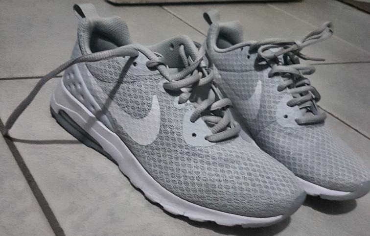 98f2887a026cd Tenis Nike Air Max Motion Lw - Branco E Cinza - Feminino 36 - R  350 ...