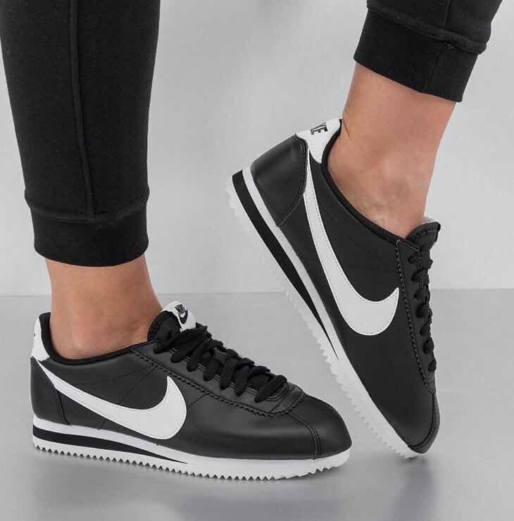 14a5379678 Tenis Nike Cortez Negro Mujer Envió Gratis - $ 1,498.00 en Mercado Libre