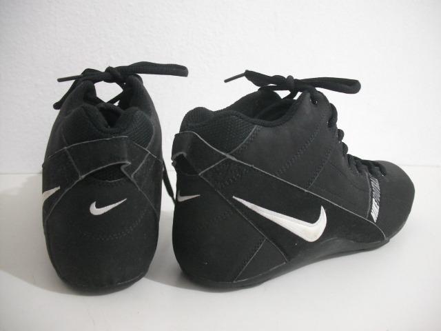 66cab0fbb317d Tenis Nike Football Tam 40 Com Travas Removiveis - R  169