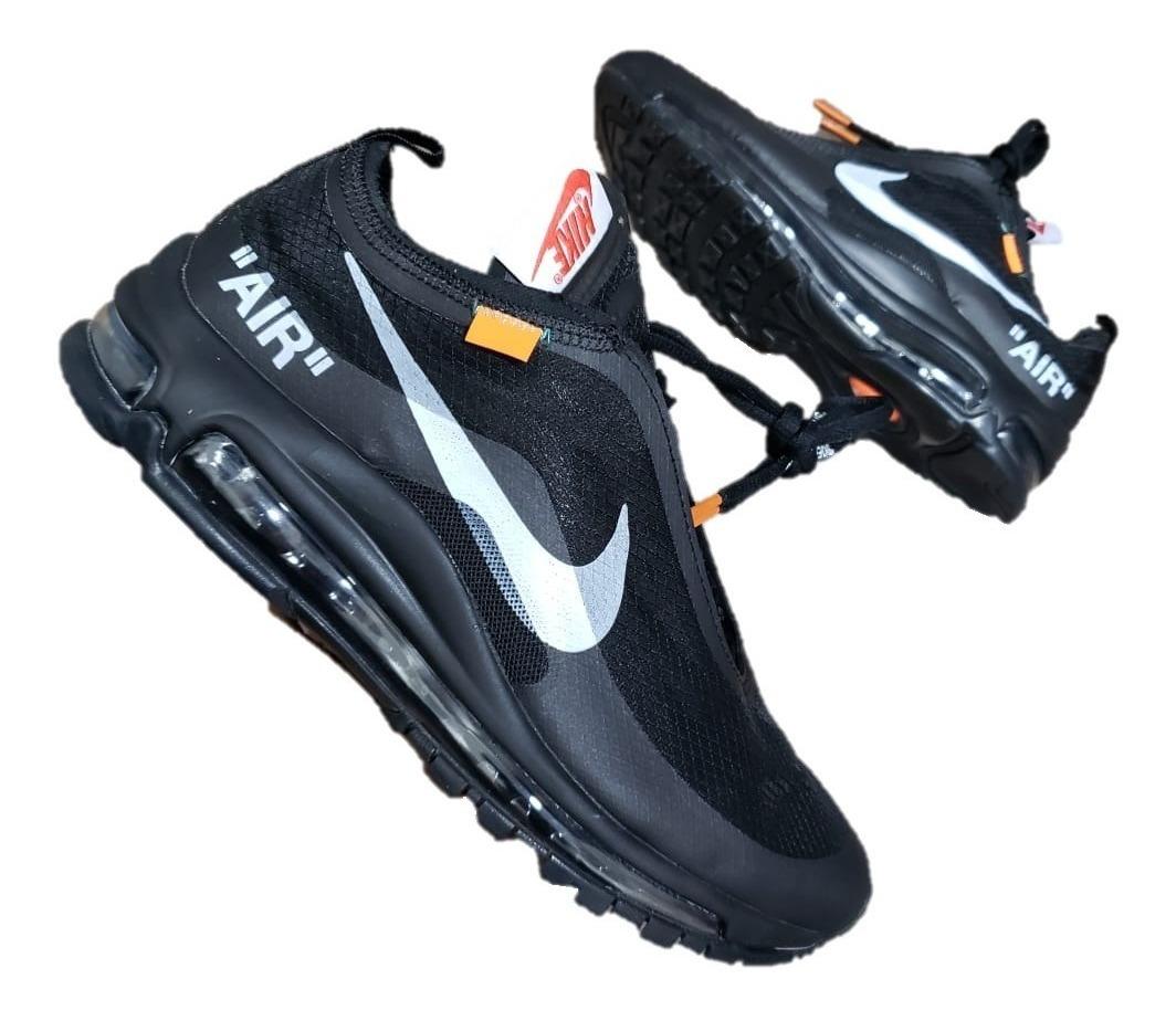 Cómo identificar Nike falsos: 10 Pasos