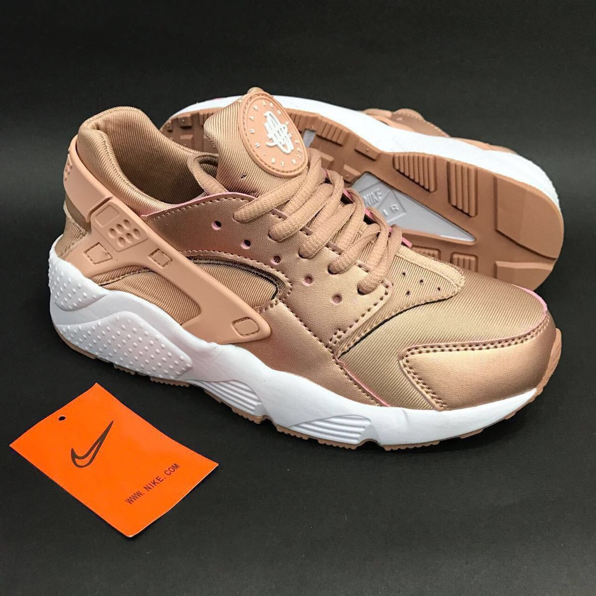 Zapatos beige Nike Huarache para mujer lTr02vSmqK