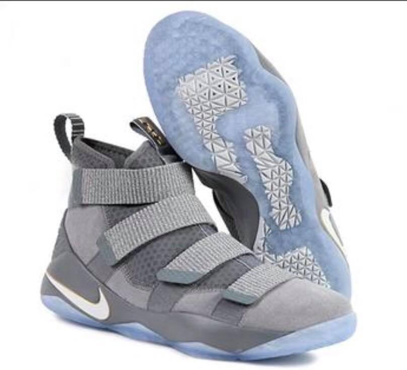 sneakers for cheap 29780 dc0d7 Tenis Nike Lebron James Soldier Xi Gris Sport Original