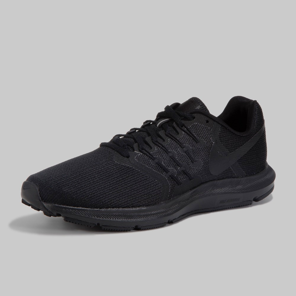 c2640416fbe tenis nike run swift color negro negro talla 24.5 originales. Cargando zoom.