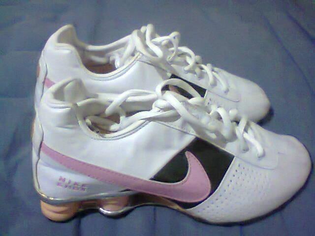 e60f3c4661f Tenis Nike Shox Classic Branco E Rosa Nº38 Original Na Caixa - R ...