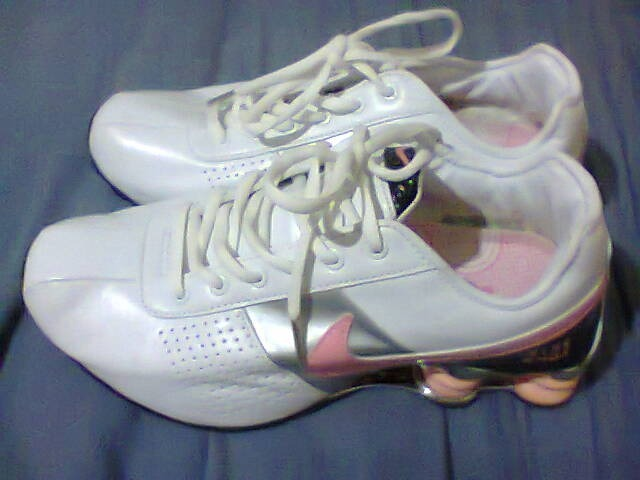 9cb0fafe8f3 ... tenis nike shox classic branco prata e rosa nº38 original ...