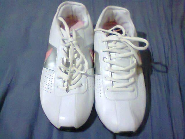 2f10853b06a Tenis Nike Shox Classic Branco prata E Rosa Nº38 Original - R  100 ...