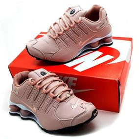 62c61bb04ba Tenis Nike Shox Feminino Roxo Com Rosa - Calçados