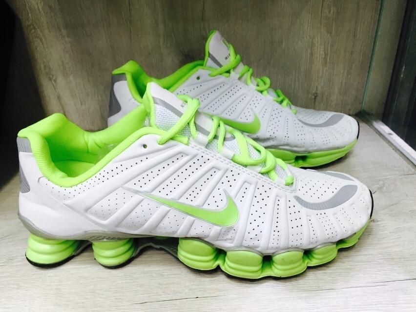 check out 8f4c8 d8a36 tenis nike shox tlx branco e verde nº41 42 original!!! Carregando zoom.