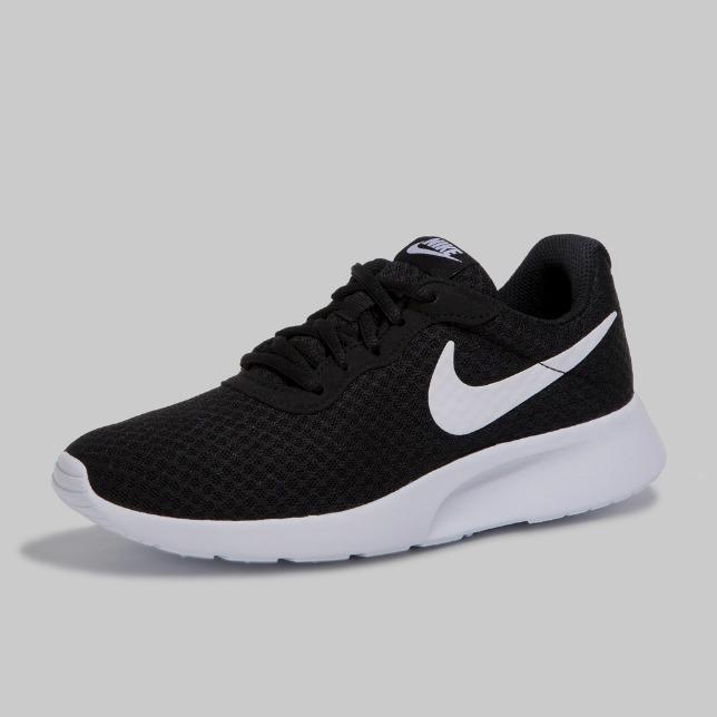 Tenis Nike Tanjun Modelo 812654 011 Color Negro Blanco Talla 28 100% Originales Envio Gratis Pd