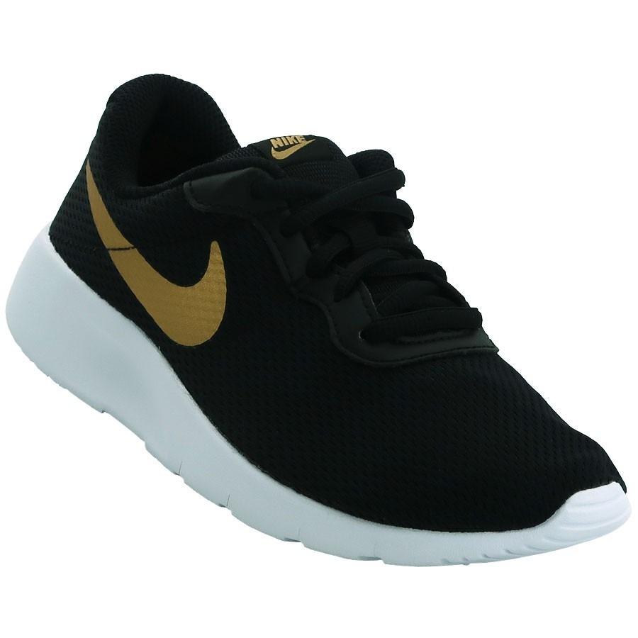 34be16c0a2e ... nike negras con dorado Tenis Nike Tanjun Preescolar Negro ...