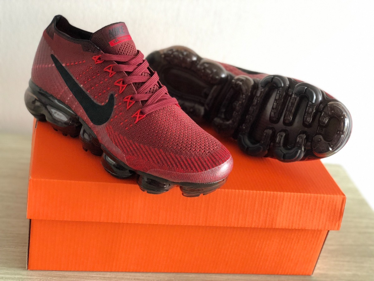 tenis nike vapormax flyknit dark team red and black. Cargando zoom. d1a708b33ec9e