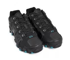 5d733b7e0 Tenis Oakley Caveirão Masculino - Calçados, Roupas e Bolsas no ...