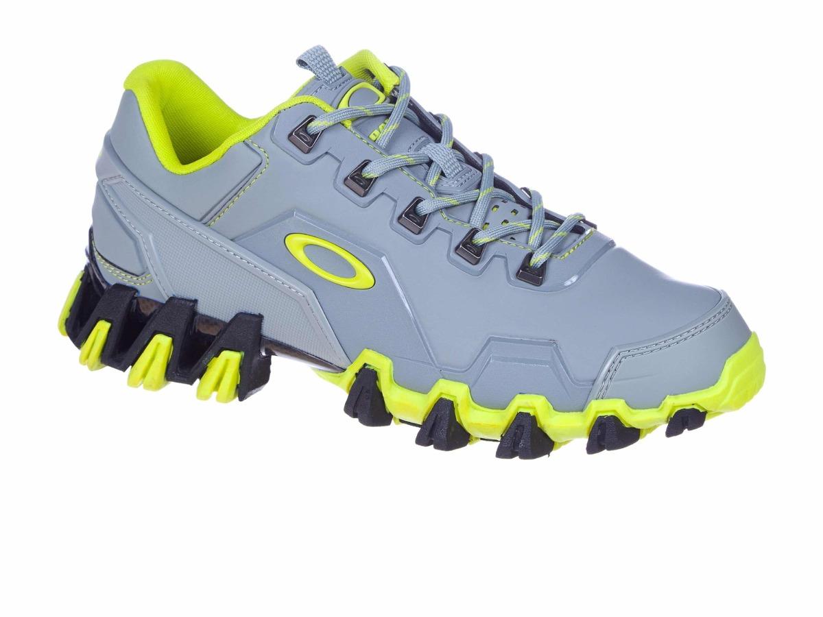 d4366106cfed8 Tenis Oakley Teeth 5 Cinza   Verde - R  689