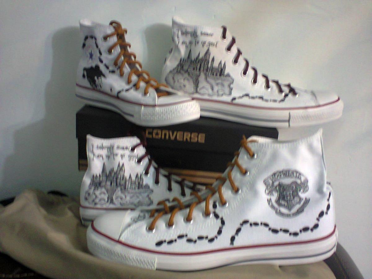 67143efad42a Tenis pintadosmano harry potter hogwarts magia converse cargando zoom jpg  1200x900 Harry potter converse shoes