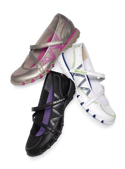 1c189be68da Tenis Sapatilha Branca Couro Skechers Lançamento - R  210