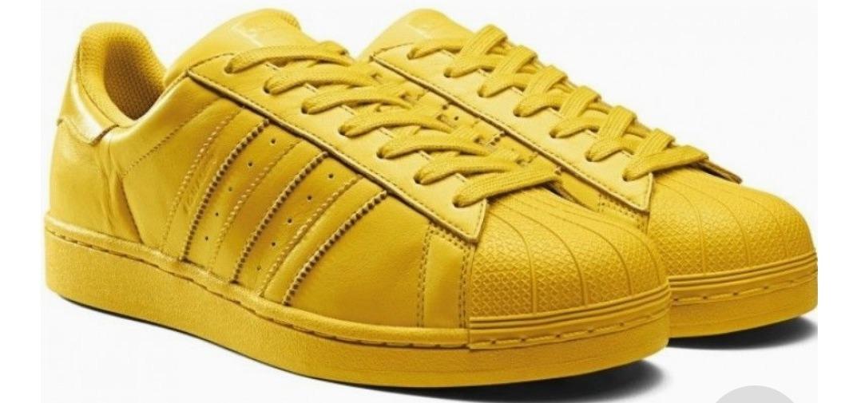 Adidas amarillos Superstar