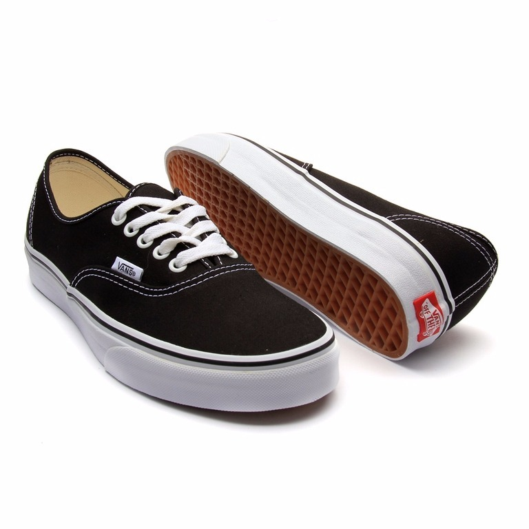 75eee5664a0 Tenis Vans Authentic Preto branco - Original - R  199