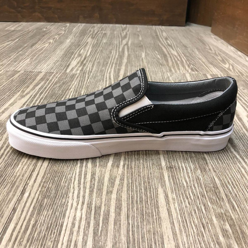 tenis vans classic slip-on checkerboard gris/neg look trendy