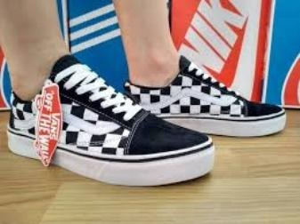 eb0788384c Tenis Vans Old Skool Skate -promoção Na Caixa 50 % Off - R  68