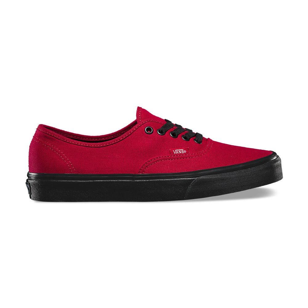 vans rojos con negro