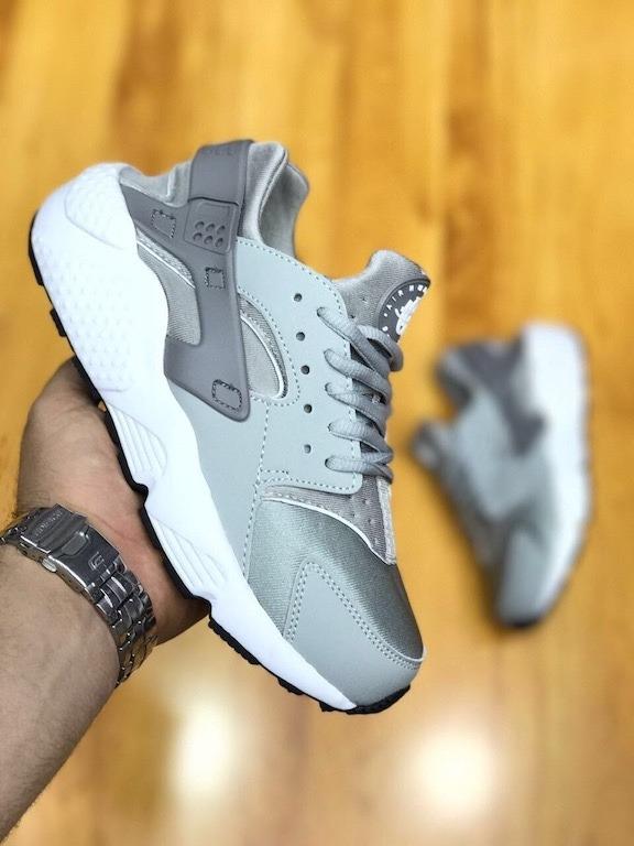 air huarache grises