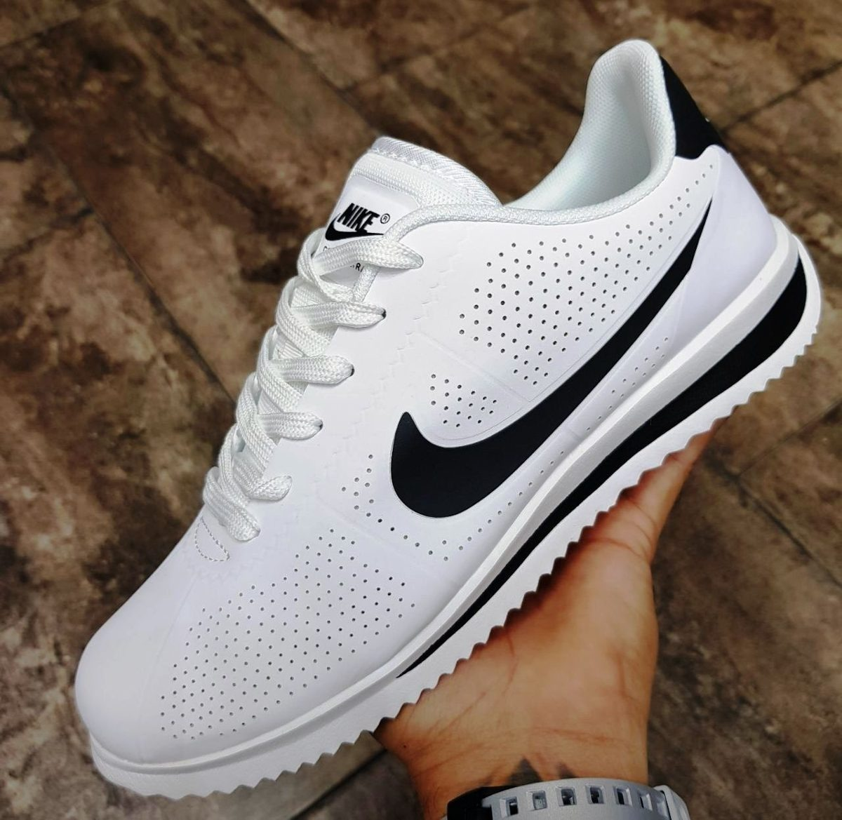 low priced 78170 a3e57 ... coupon code for tenis zapatillas nike cortez blanco negro hombre.  cargando zoom. 13c29 4d67b