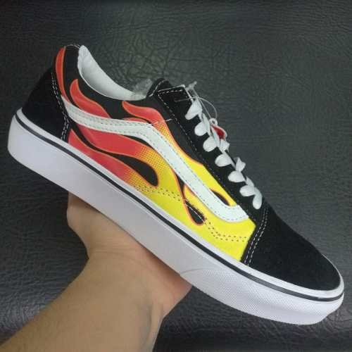 Vans Old Skool Snake BlackBlanc Shoes. NWT | Vans old skool