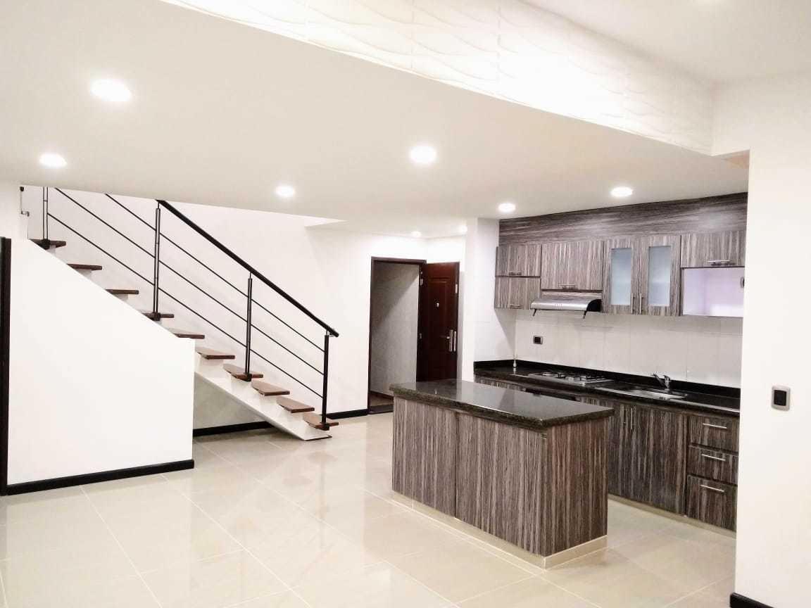 tenjo, casa remodelada, moderna y con los mejores terminados