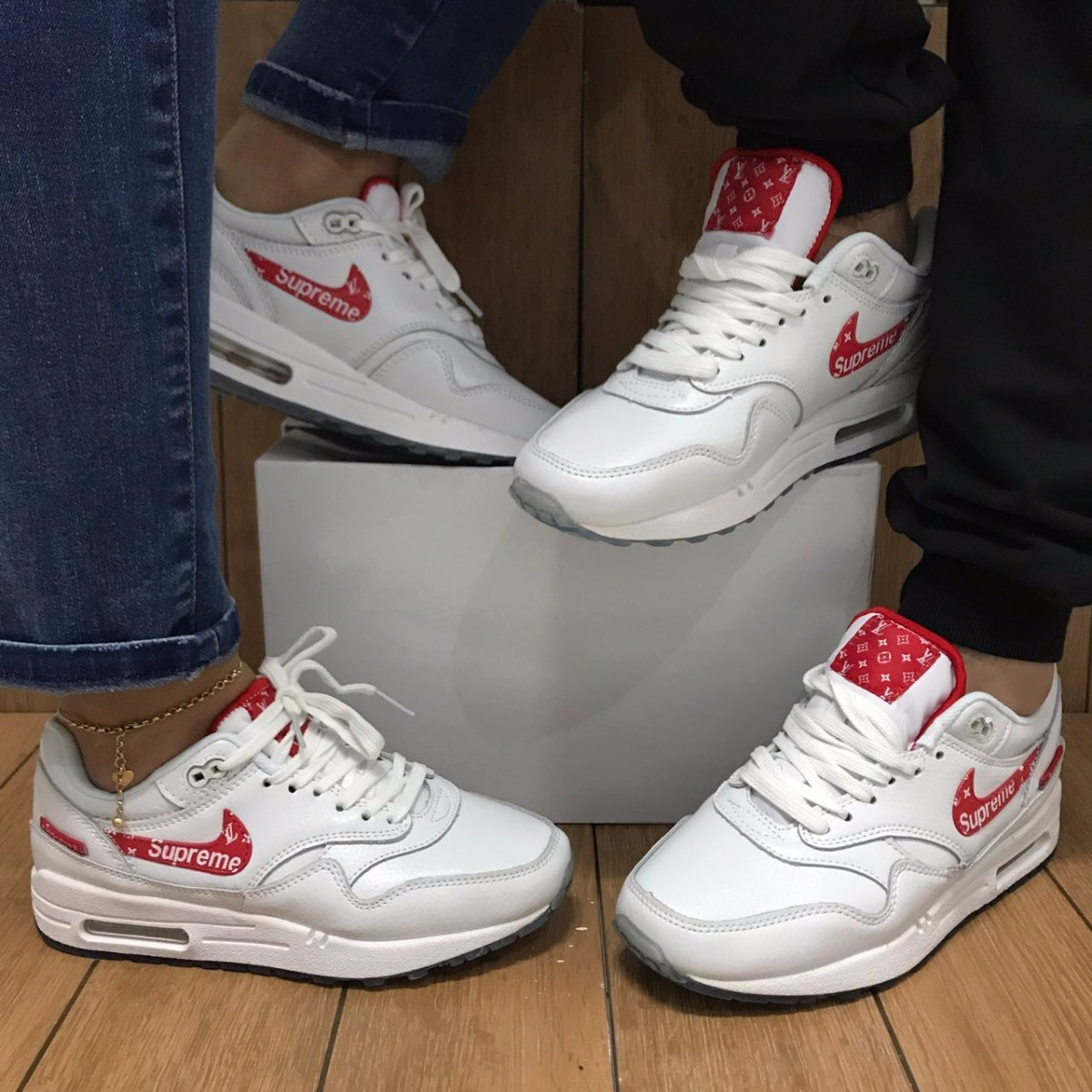 Tênis Nike Air Max 90 Supreme