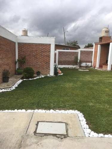 tepozotlan 548 m2 2 recámaras, 3 baños, jardinzote, palapa,
