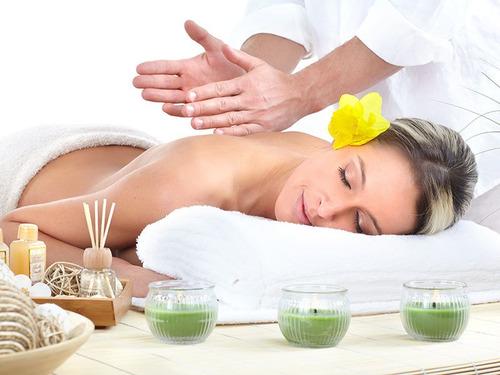 terapéuta masajista profesional