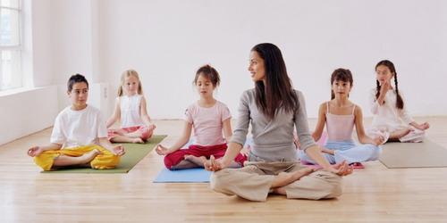 terapia conductual y yoga para niños