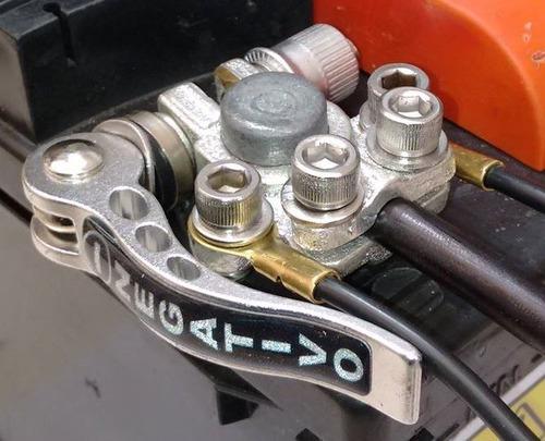 terminal de bateria c/ engate rápido- c/ 2 derivações extras