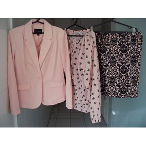 b48ca29361 Conjunto Rosa Feminino Blazer + Camisa + Saia Tamanho 44