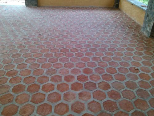 terracota hexagonal y cuadrada  artesanal