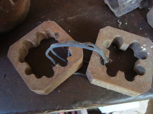 terraja para caño con sus muelas muy antigua