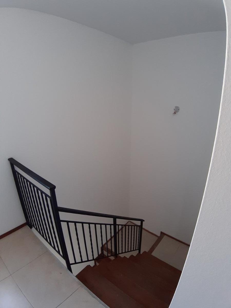 terrazas estanzuela. hermosa casa de 3dorm, 3bños, cochx2