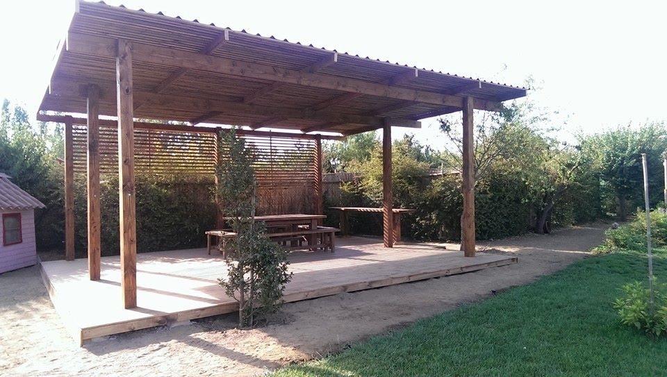 Terrazas quinchos p rgolas piscinas en for Cuanto sale construir una piscina